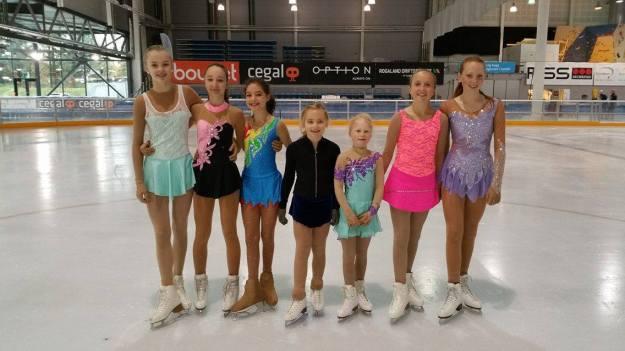 Therese, Elina, Mia, Anna, Amalie, Ingrid og Ida Marie