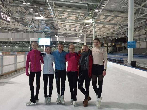 Therese, Iona, Marianne, Maria, Liv Nora og Marie (Ingeborg var ikke til stede da bildet ble tatt)