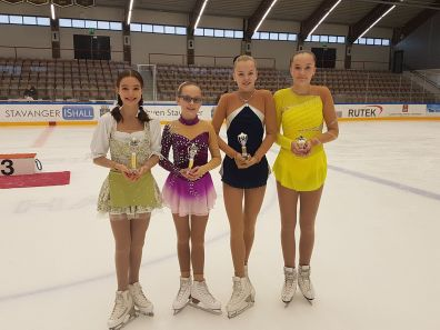 Mia, Michelle, Therese og Sanna